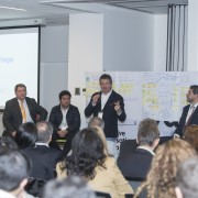 Empresarios debatieron cambio de paradigma en la era digital