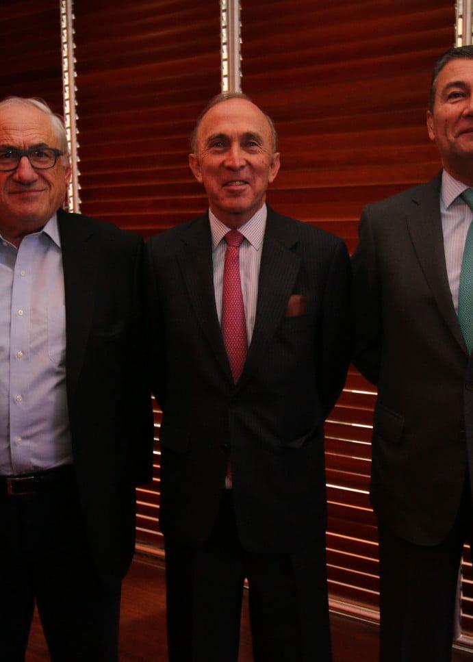Superintendente de Bancos abordó los desafíos  de la ciberseguridad en el Club Monetario de la U. Finis Terrae