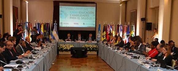 Transformar la educación en América Latina y el Caribe: Países de la región revisan sus políticas y mecanismos de cooperación en reunión ministerial en Cochabamba