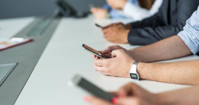 Cinco pasos para manejar una empresa desde el celular: Te mostramos cómo funciona el sistema que lo permite