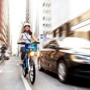 Ford entrega consejos para que ciclistas y automovilistas puedan transitar tranquilamente en las calles