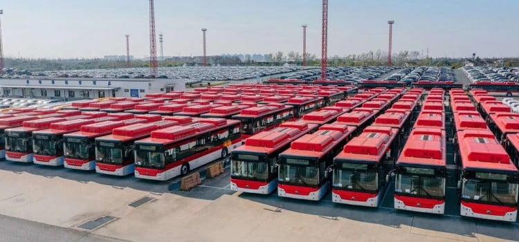 Fortaleza se prepara para la llegada de los 100 buses eléctricos Yutong para el Transantiago