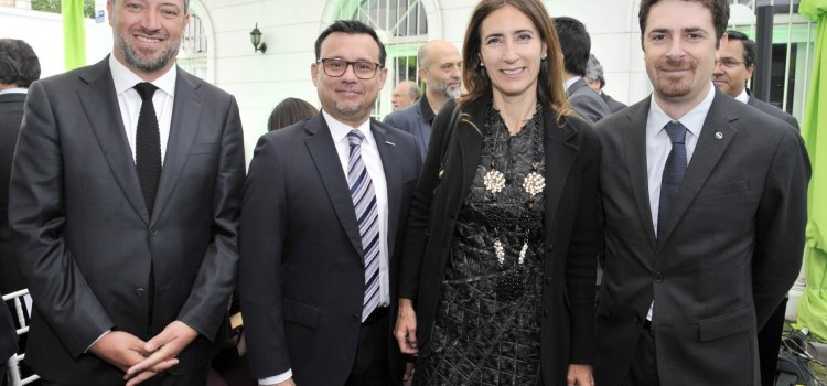 Nissan Chile es parte del compromiso público – privado con ministerios de gobierno para impulsar la electromovilidad